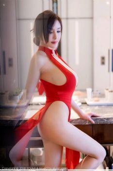 奶瓶土肥圆矮挫丑黑穷 性感艳红高开衩吊裙图片