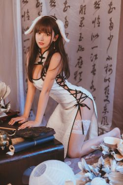 [网图online] 主播@米线线sama-白色旗袍