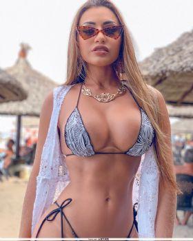 巴西社交名人Bella Araujo