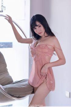 新人模特Miki米雪儿 蕾丝睡裙制服诱惑图片