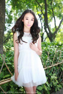 [秀人网Xiuren] No.371 @梓萱Crystal-小清新外拍~ 野外露出