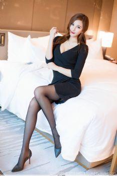 新人模特Cccil 丝袜玉腿袅袅娉娉图片