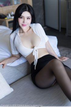 魅惑女神刘钰儿 白衬衫黑丝女秘书图片