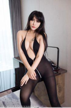 性感尤物孟狐狸 惹火黑丝情趣内衣图片