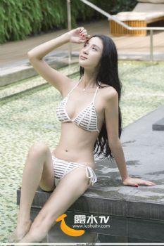 贾宜娜- [露水TV]高清写真图 浴室湿身图片
